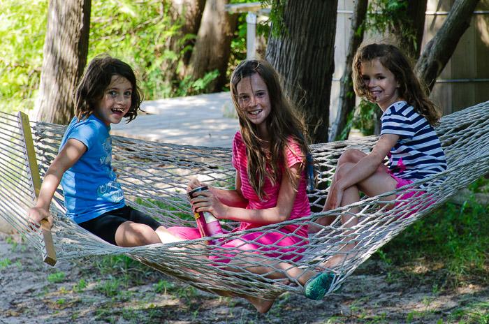hammock, photography, backup, tips, tutorials, girls, sisters